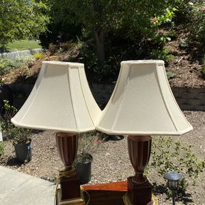 2 solid wood lamps for Sale in Vallejo, CA