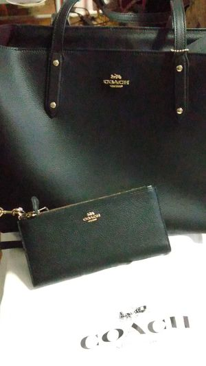 ALL BLACK COACH PURSE WITH MATCHING WALLET for Sale in Vallejo, CA