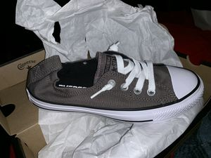 New in box woman's converse for Sale in Fairfield, CA