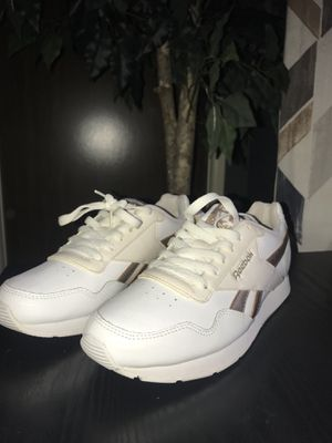 Reebok Women's shoes size 8 for Sale in Pittsburgh, PA