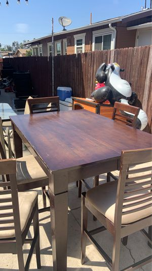 Kitchen Table /With chairs for Sale in Los Angeles, CA