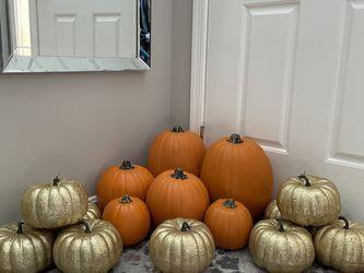 "Pumpkins orange 14"" 9"" 5"" gold glitter 7"" for Sale in Herndon,  VA"