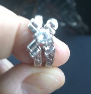 Wedding silver rings zise 7 for Sale in Yuma, AZ