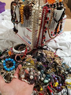 Vintage Necklace Lot With Bracelets And Extras 25.00 Lot4 for Sale in Bellevue,  WA