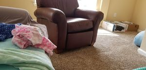 Leather recliner for Sale in Murfreesboro, TN