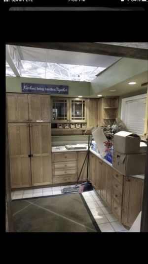 Oak Kitchen Cabinets for Sale in Federal Way, WA