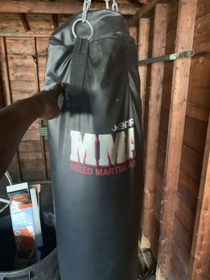 MMA PUNCHING BAG for Sale in Redford Charter Township, MI