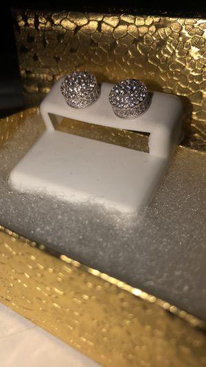 Diamond screw back earrings for Sale in Memphis, TN