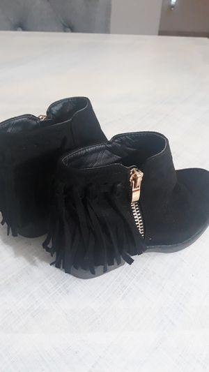 Fabkids fringe booties size 9 for Sale in Oakley, CA