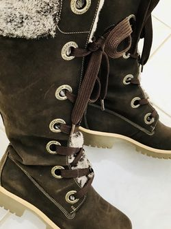 Timberland Lace Up Leather Boots With Faux Fur Trim Sz 8 for Sale in Las Vegas,  NV
