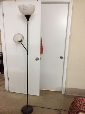 Floor lamp for Sale in Elkridge, MD