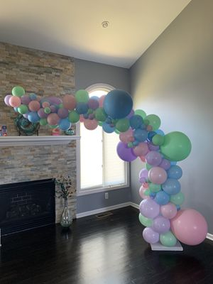 7 by 6 balloon arch for Sale in Macomb, MI