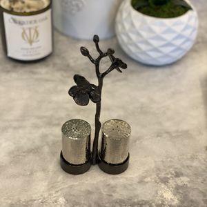 Michael Aram Black Orchid Salt & Pepper Shakers for Sale in Glendale, CA
