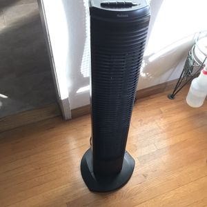 Holmes Oscillating Tower Fan for Sale in Huntington Beach, CA
