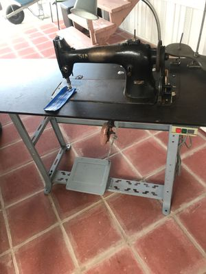 Maquina Industrial Singer for Sale in Homestead, FL