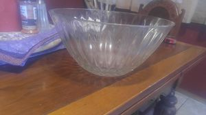Large bowl for Sale in Hesperia, CA