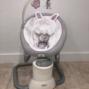 Graco EveryWay Soother Baby Swing with Removable Rocker, Josephine for Sale in Miami, FL