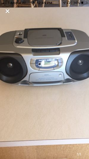 Phillips stereo system with remote for Sale in San Marcos, CA