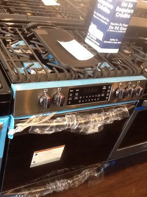 New open box Frigidaire slide in gas range FGGH3047VD for Sale in Downey, CA
