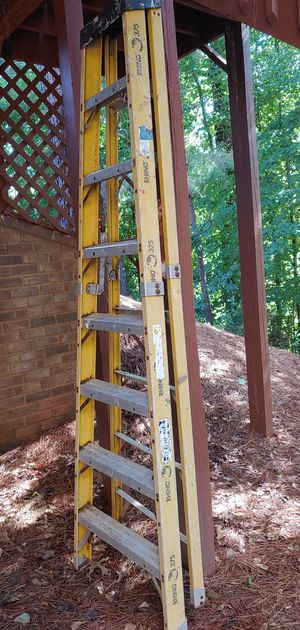Rhino 8 feet Ladder for Sale in Alpharetta, GA