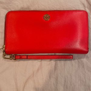 Authentic Tory Burch Wallet for Sale in Lynwood, CA