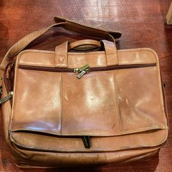 Leather Claire Chase Executive Briefcase for Sale in Oxon Hill,  MD