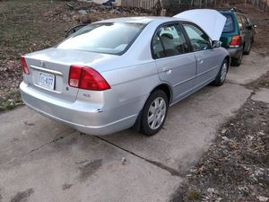 Vendo honda Civic 202 el carro la transmisión nesesesita cambia da for Sale in VA, US