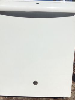 """24"""" Inch Width Dishwasher Stainless Steel Inside One Month Old for Sale in Fresno,  CA"""