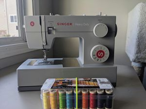 Singer heavy duty 4411 sewing machine for Sale in Mountain View, CA