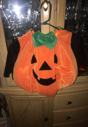 Disfraz d calabaza 🎃 size 18/24 m for Sale in Los Angeles, CA