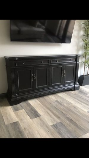 Like new tv stand for Sale in Columbus, OH