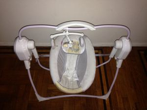 Fisher price baby swing for Sale in Queens, NY