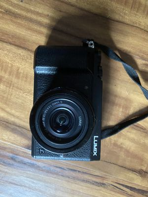 Panasonic lumix GX85 with 12-32 lens for Sale in Gresham, OR