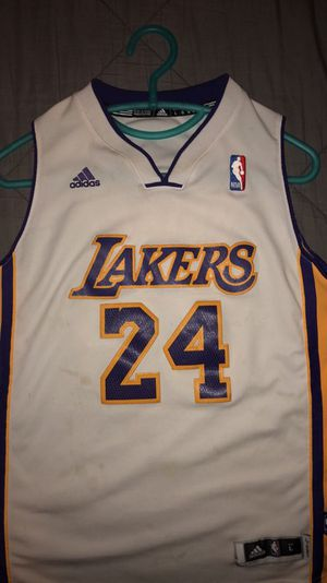 Kobe bryant jersey -youth for Sale in Manteca, CA