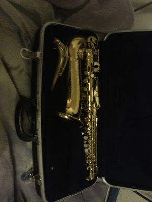 Alto saxophone with extra ligature for Sale in Federal Heights, CO