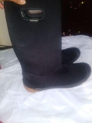 Boos winter waterproof boots sz 8 for Sale in Philadelphia, PA