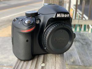 Nikon D D3200 24.2MP Digital SLR Camera - Black (Kit w/ AF-S VR DX G ED 18-55mm for Sale in Thompson, CT