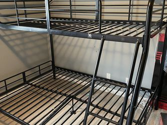 Bunk Bed (metal) Ful/queen Side for Sale in Arlington,  WA