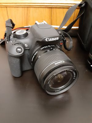 EOS Canon Rebel T5 for Sale in Bakersfield, CA