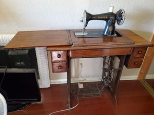 Early 1900's Singer sewing machine for Sale in San Diego, CA