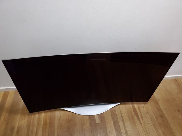 """55 inch LG Curved Screen """"OLED"""" 3D TV 1080p with 3D glasses Great Shape"""