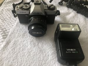 Minolta XGA includes Flash and Tripod for Sale in West Palm Beach, FL