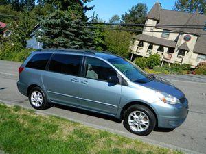 2004 Toyota Sienna for Sale in Lynnwood, WA