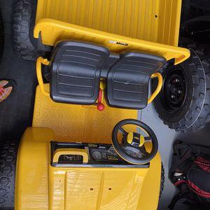 John Deere Kid Electrical Toy Ride for Sale in Bradenton, FL