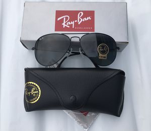 Ray ban aviators black sunglasses for Sale in The Bronx, NY