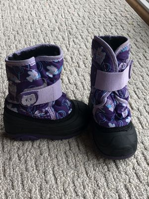 Kamik todder girls snow boots for Sale in Murrieta, CA