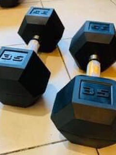 Brand New🎁 CAP 35 Lbs Pairs Standard Rubber Dumbbell💪🏋🏻♀️ for Sale in Stockton,  CA