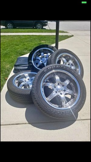 20 inch rims 6 lug for Sale in Groveport, OH