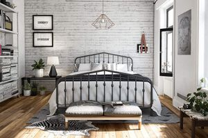 Brand New Queen Metal Platform Bed Frame with Headboard for Sale in Sacramento, CA