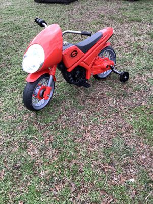 New Red Incredibles Ride On Bike w/Training Wheels & Charger for Sale in Virginia Beach, VA
